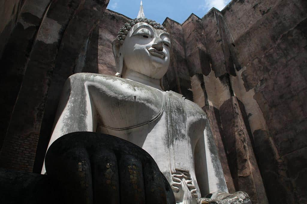 how to get to Sukhothai