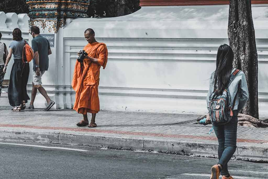 The monk chat phenomenon is mutually beneficial.