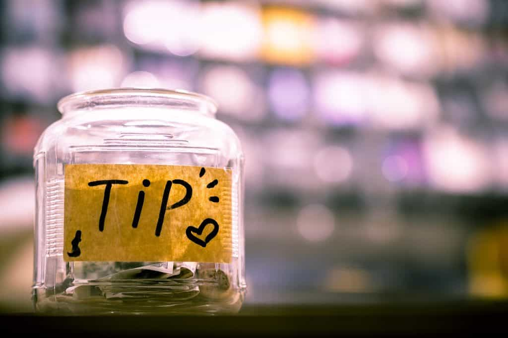 Tip Top Etiquette Tips: Tipping in Thailand Guide by Bodega Hostels