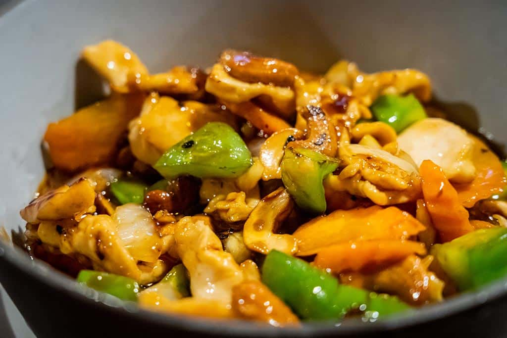 Thai cashew chicken