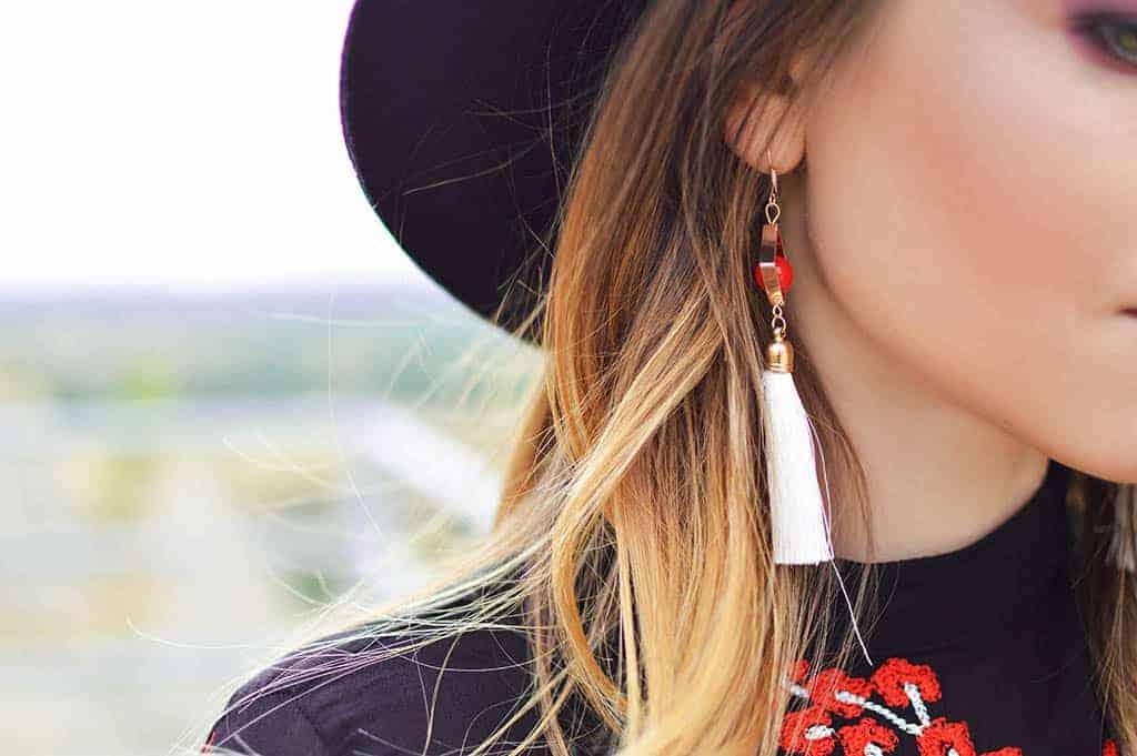 Bodega Hostels guide to buying jewelry in Bangkok - earrings