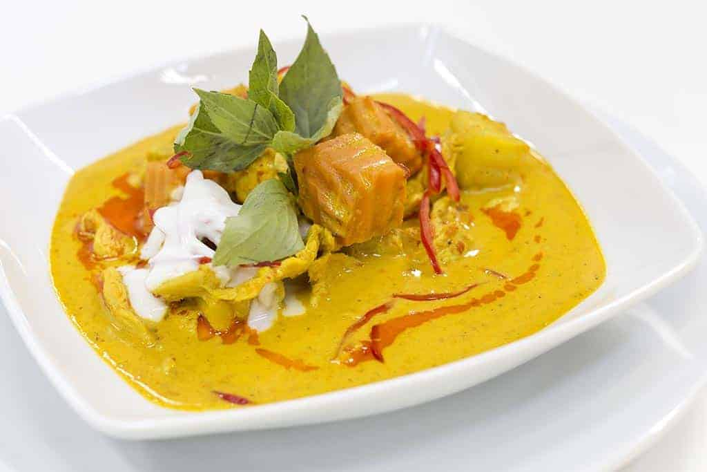 guide to Thai curries - Thai yellow chili curry