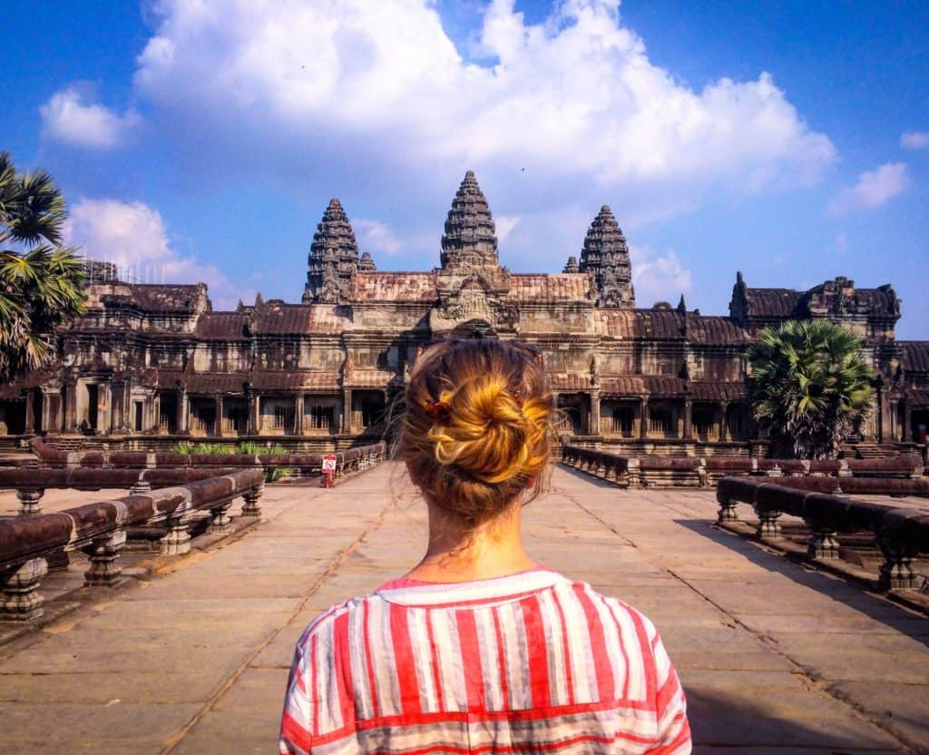 Angkor Wat temple grounds guide